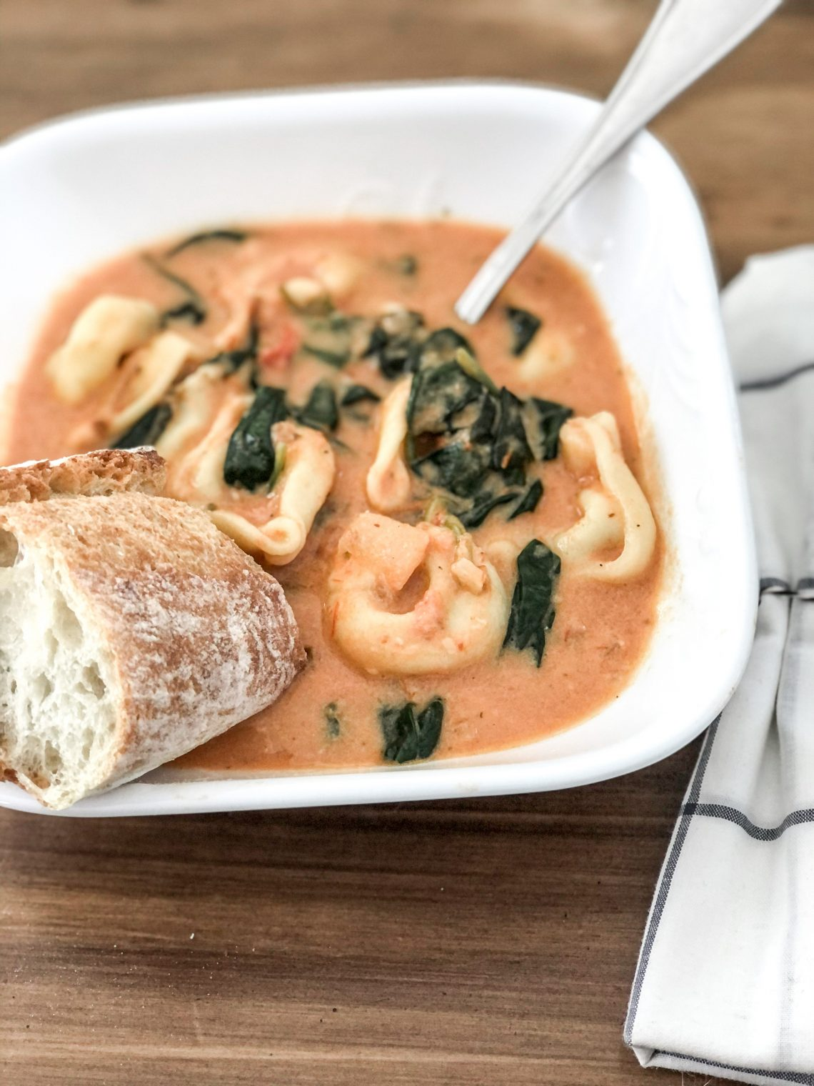 Tomato spinach tortellini soup