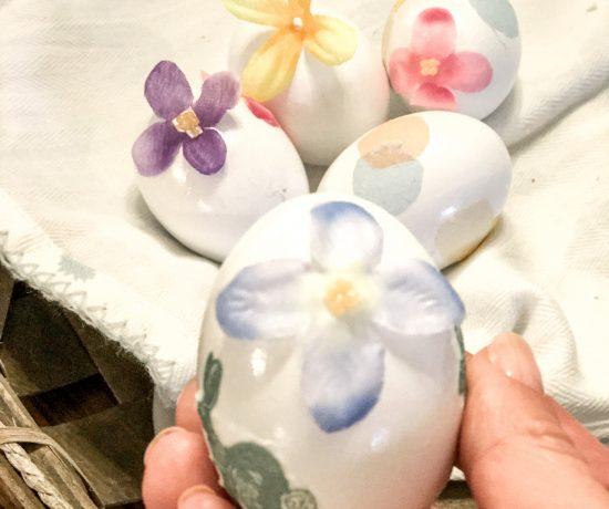 DIY gorgeous floral Easter eggs
